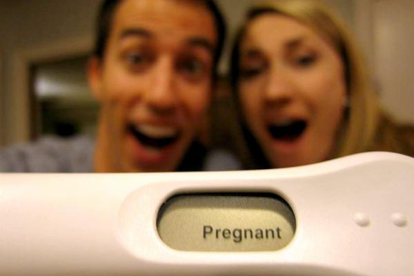 Pregnancy Announcement - 7