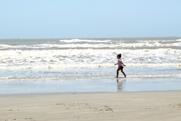 The Truth About Our Beach Vacation Houston Moms Blog