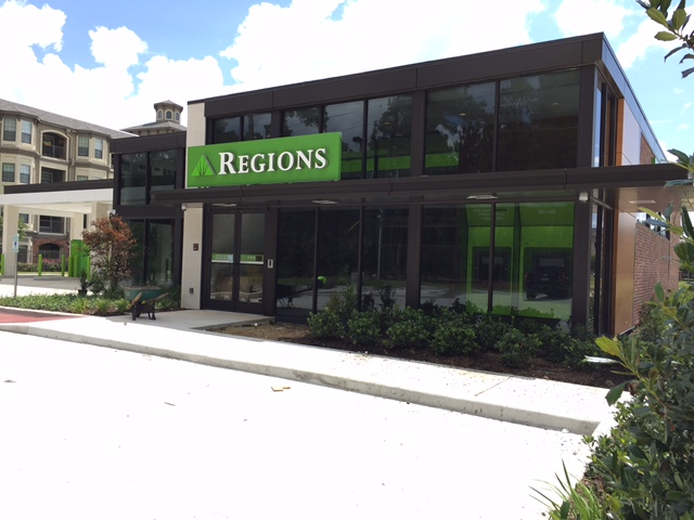 How Busy Moms Bank {...with Regions Bank!} | Houston Moms Blog