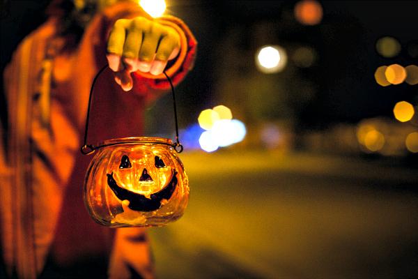 The Spirit of Halloween   Houston Moms Blog