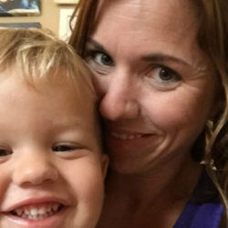 mom-revealing-selfie