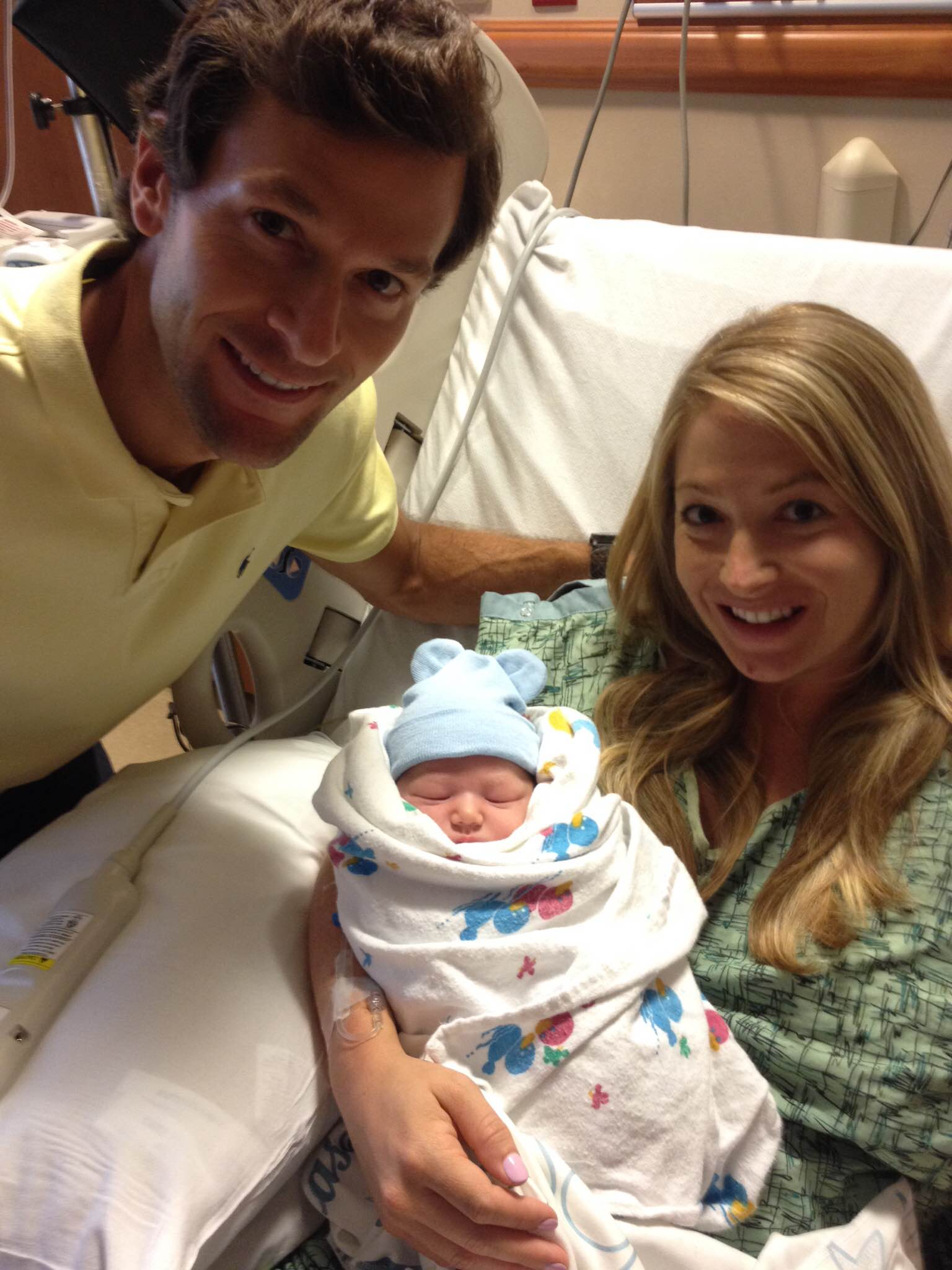 A New Mom's #1 Frenemy :: Social Media | Houston Moms Blog