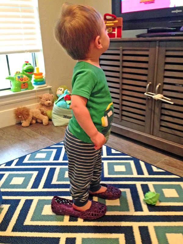 {Mox Shoes} The One Shoe Every Houston Mama Needs | Houston Moms Blog