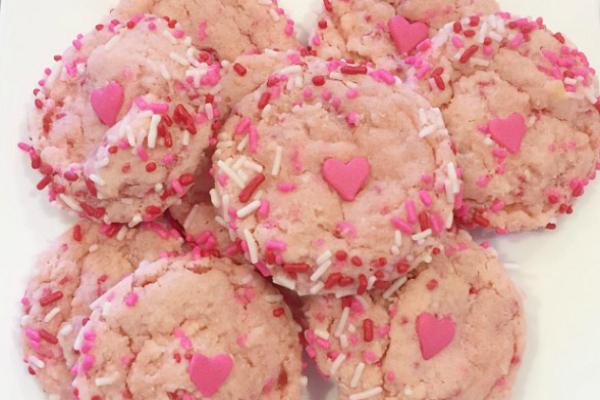 Valentine Sprinkle Cookies for Your Lovebug | Houston Moms Blog