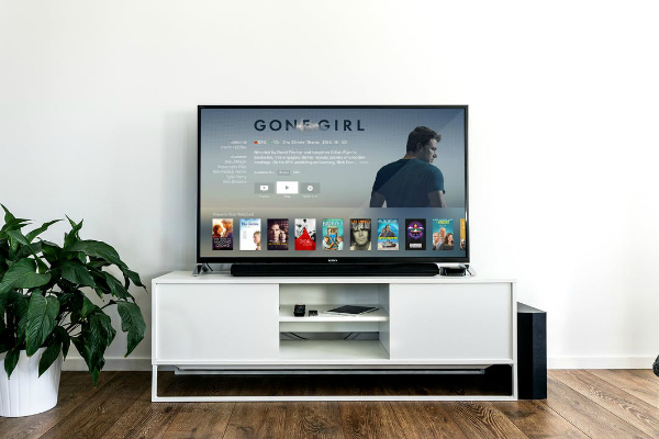 My Top 10 Picks for Netflix {WITHOUT} Kids | Houston Moms Blog