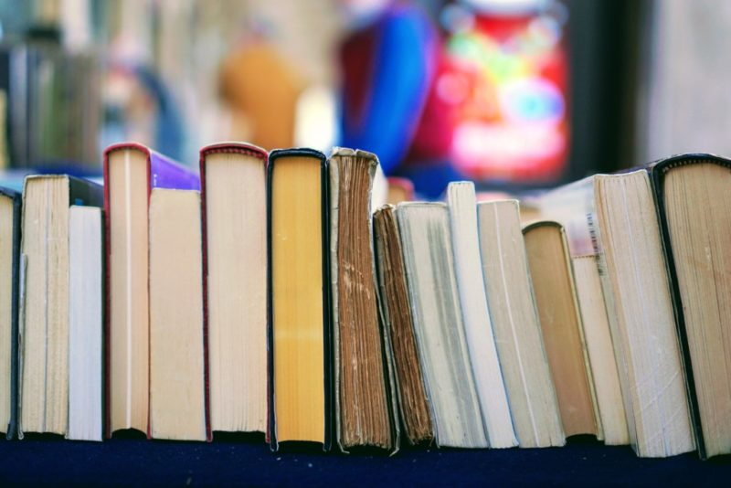 How To Read More Books {Yes, You Can Do It!}   Houston Moms Blog