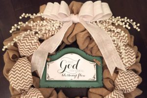 DIY Holiday Wreath - Featured