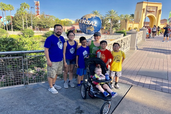 Navigating Universal Studios with a Big Family | Houston Moms Blog