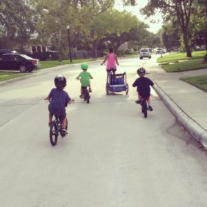 Mom Friends:: The Key to Surviving the Long Days of Summer | Houston Moms Blog