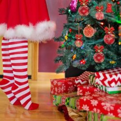 There's No Elf on my Shelf :: A Story of an Elf Alternative | Houston Moms Blog