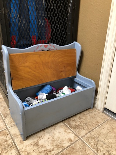 The Sock Bench:: A Measure of My Mommy Mental Health | Houston Moms Blog