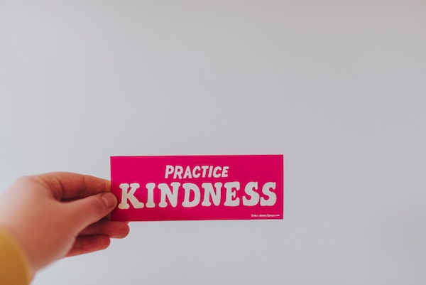 11 Easy Random Acts of Kindness for the Entire Family | Houston Moms Blog