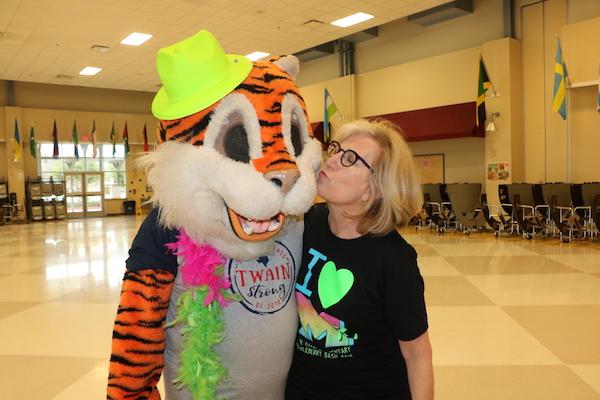 We See You, Volunteers! | Houston Moms Blog