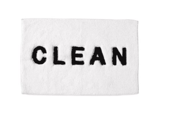 clean bath rug