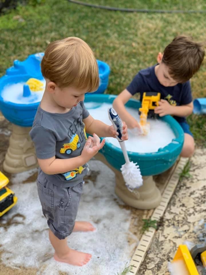 10 Ways to Entertain Toddlers and Preschoolers During the Coronavirus Quarantine