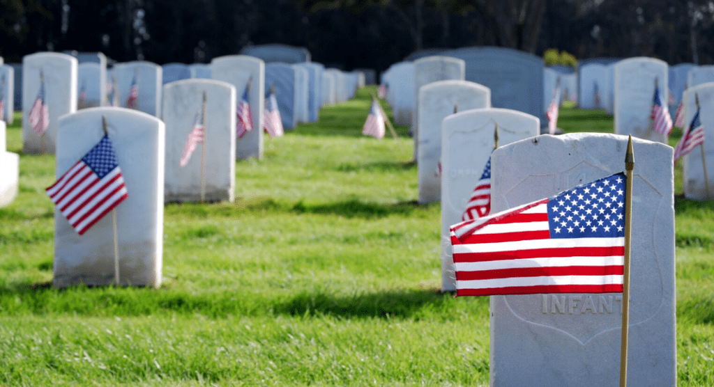 Memorial Day a Different Way :: Teaching Our Children to Honor the Fallen