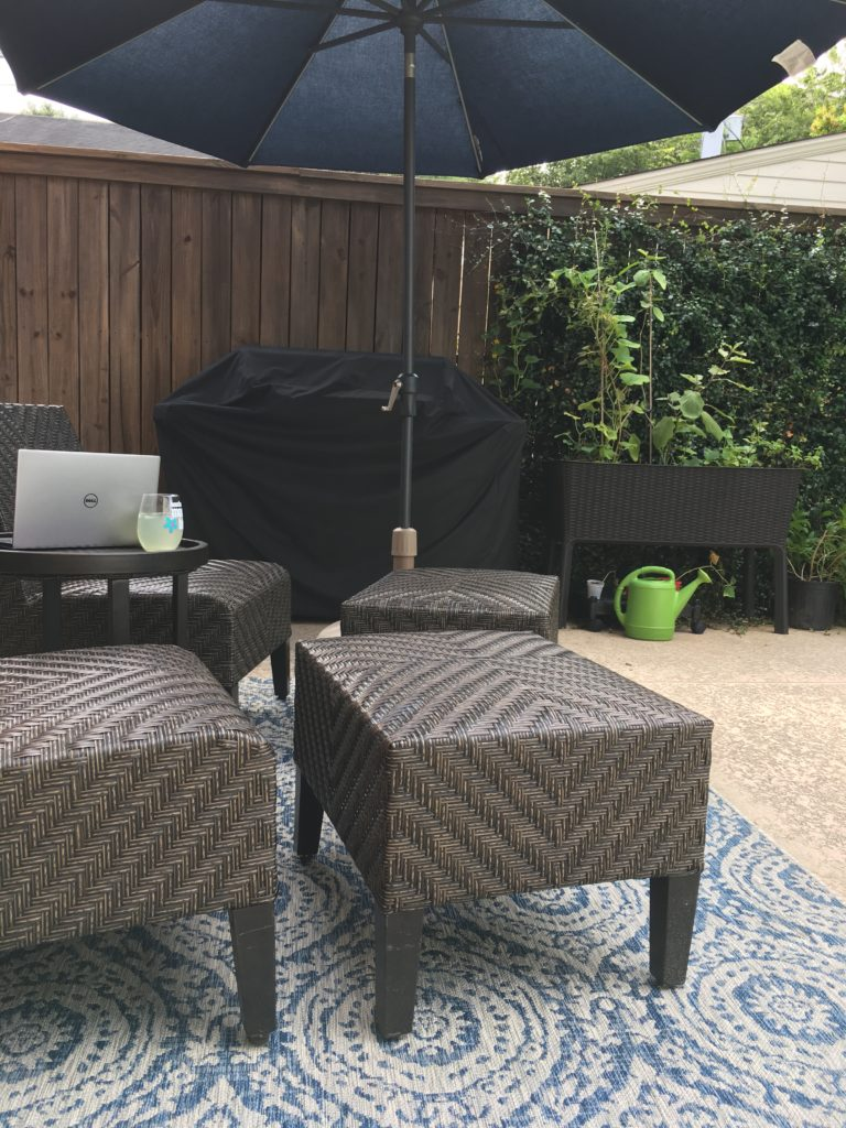 patio furniture with outdoor rug