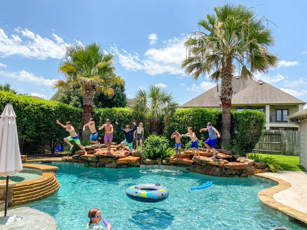 The Ten Best Summer Play Date Ideas :: For Kids AND Moms